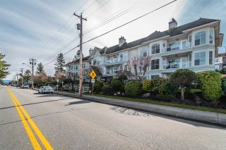 """Photo 3: 204 15290 18 Avenue in Surrey: King George Corridor Condo for sale in """"STRATFORD BY THE PARK"""" (South Surrey White Rock)  : MLS®# R2556862"""