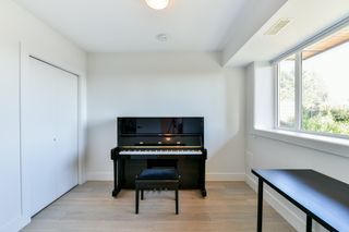 Photo 11: 145 N ELLESMERE AVENUE in Burnaby: Capitol Hill BN House for sale (Burnaby North)  : MLS®# R2324862
