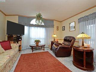 Photo 4: 21 1581 Middle Rd in VICTORIA: VR Glentana Manufactured Home for sale (View Royal)  : MLS®# 799550
