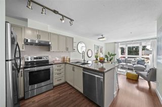"""Photo 7: 309 2008 BAYSWATER Street in Vancouver: Kitsilano Condo for sale in """"Black Swan"""" (Vancouver West)  : MLS®# R2492765"""