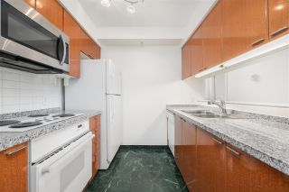 """Photo 7: 1901 1200 ALBERNI Street in Vancouver: West End VW Condo for sale in """"PALISADES"""" (Vancouver West)  : MLS®# R2560668"""