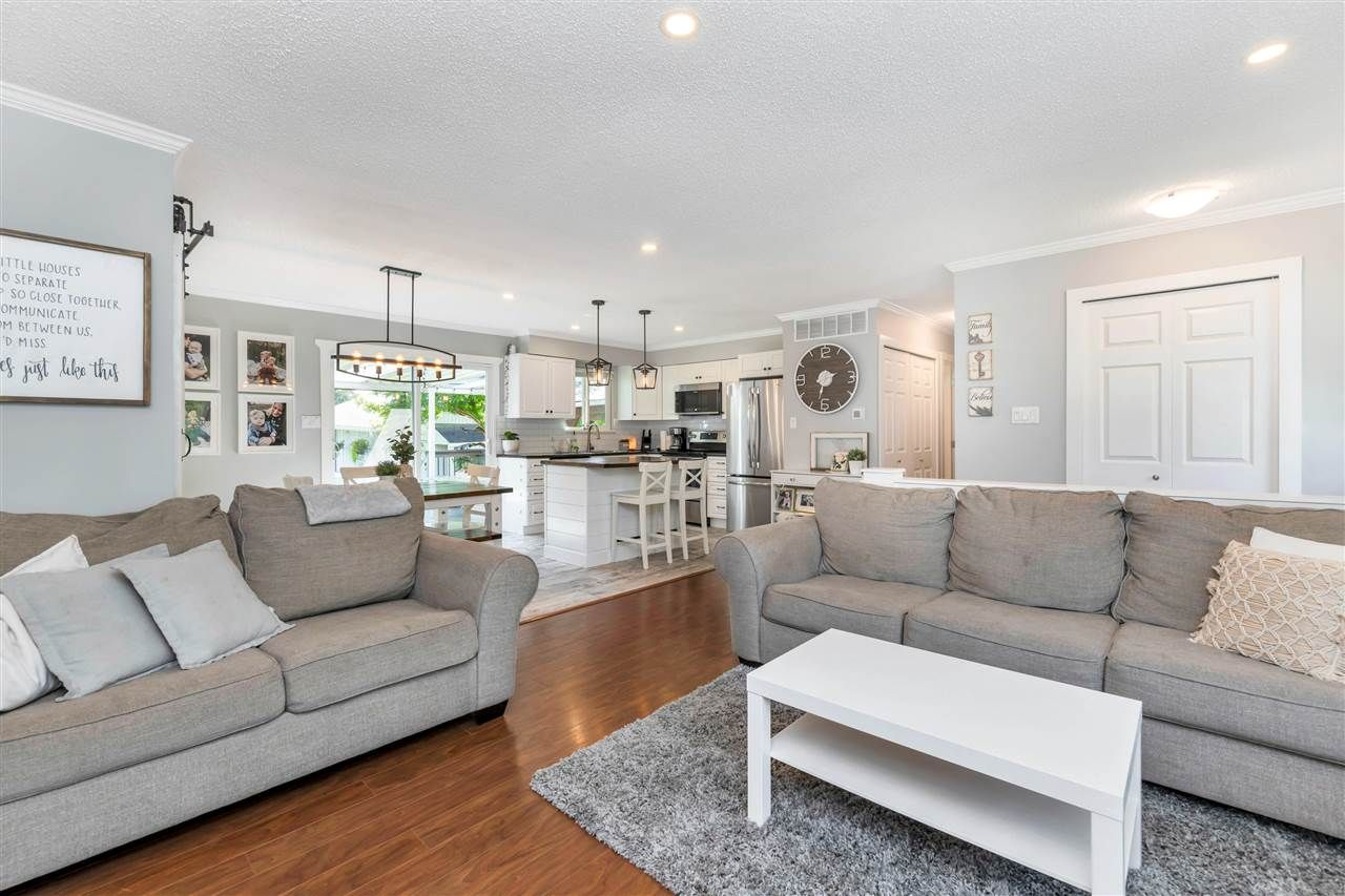 Photo 9: Photos: 32626 BADGER Avenue in Mission: Mission BC House for sale : MLS®# R2493289