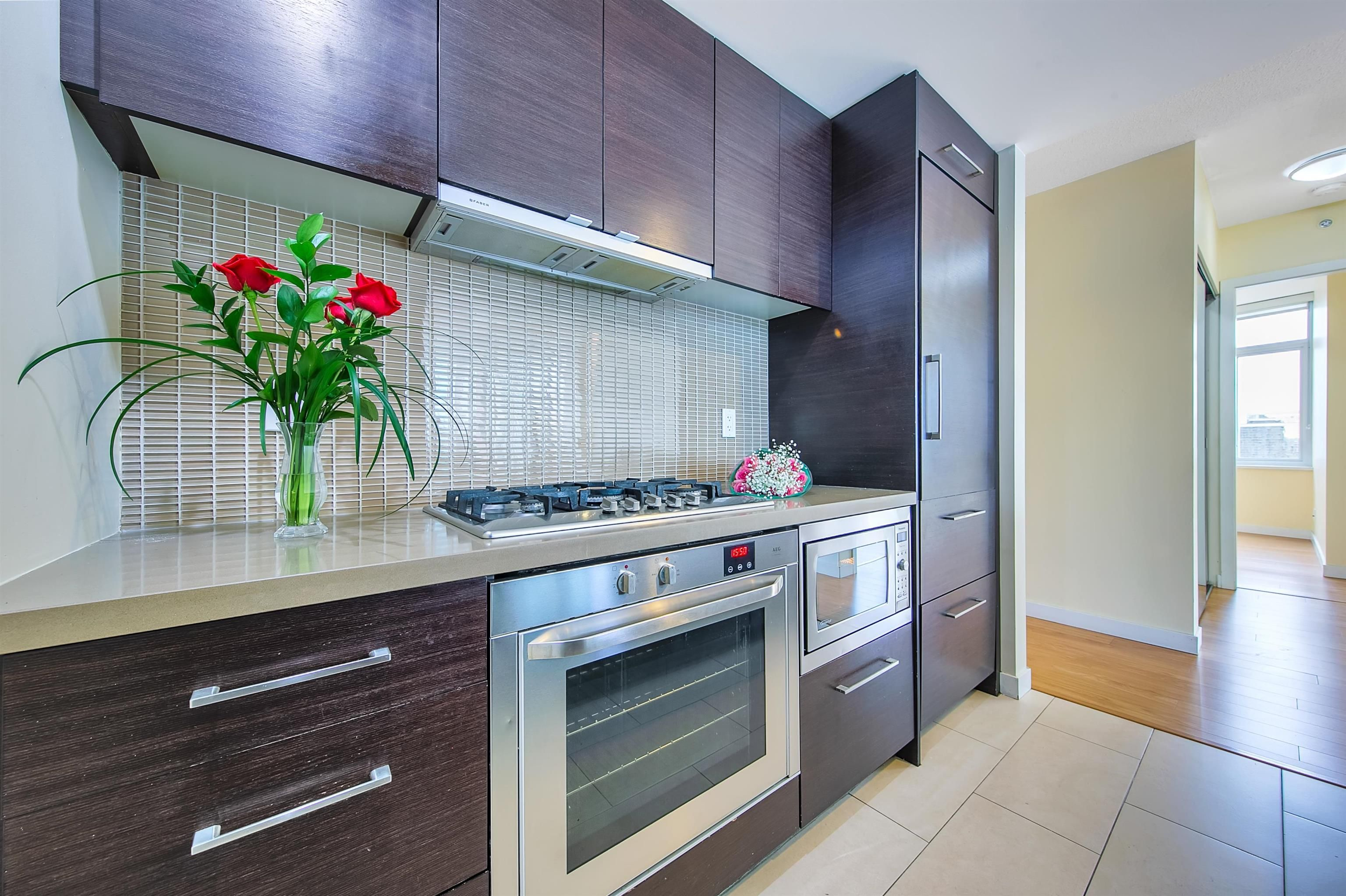 """Photo 6: Photos: 2302 833 HOMER Street in Vancouver: Downtown VW Condo for sale in """"Atelier"""" (Vancouver West)  : MLS®# R2615820"""
