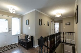 """Photo 2: 2372 MOUNTAIN Drive in Abbotsford: Abbotsford East House for sale in """"MOUNTAIN VILLAGE"""" : MLS®# R2405999"""
