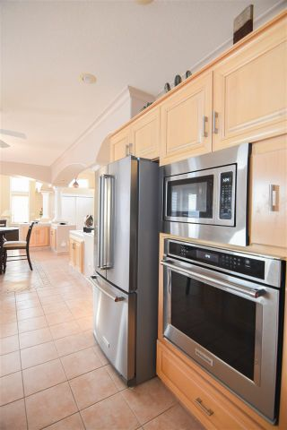 Photo 10: 16115 57 Street in Edmonton: Zone 03 House for sale : MLS®# E4224780