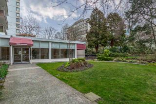 """Photo 4: 302 1251 CARDERO Street in Vancouver: Downtown VW Condo for sale in """"SURFCREST"""" (Vancouver West)  : MLS®# R2352438"""
