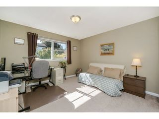 """Photo 15: 42 11860 RIVER Road in Surrey: Royal Heights Townhouse for sale in """"Cypress Ridge"""" (North Surrey)  : MLS®# R2216703"""