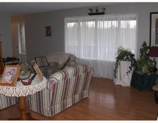 """Photo 6: 1122 EAGLE Road in Quesnel: Quesnel - Rural North House for sale in """"TEN MILE LAKE"""" (Quesnel (Zone 28))  : MLS®# N188479"""