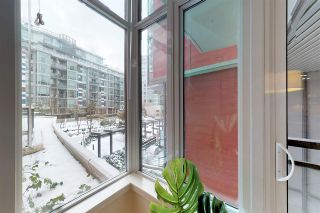 Photo 4: 204 38 W 1ST AVENUE in Vancouver: False Creek Condo for sale (Vancouver West)  : MLS®# R2430089