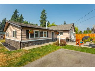 """Photo 1: 19659 36 Avenue in Langley: Brookswood Langley House for sale in """"Brookswood"""" : MLS®# R2496777"""