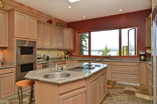 Photo 13: 11579 SUNSHINE COAST Highway in Halfmoon Bay: Halfmn Bay Secret Cv Redroofs House for sale (Sunshine Coast)  : MLS®# R2513028