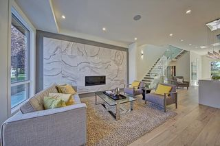 Photo 2: 4130 17 Street SW in Calgary: Altadore Semi Detached for sale : MLS®# C4268415