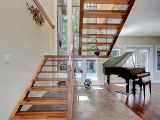 Photo 8: 708 Bossi Pl in : SE Cordova Bay House for sale (Saanich East)  : MLS®# 877928