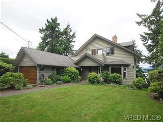 Photo 1: 10796 Madrona Drive in NORTH SAANICH: NS Deep Cove Single Family Detached for sale (North Saanich)  : MLS®# 295112