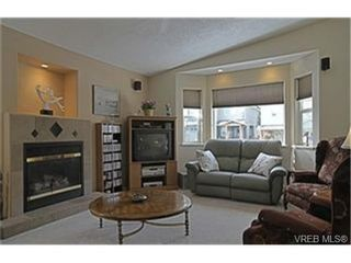 Photo 2:  in VICTORIA: La Mill Hill House for sale (Langford)  : MLS®# 455546