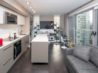 Photo 7: 1502 999 SEYMOUR STREET in Vancouver: Downtown VW Condo for sale (Vancouver West)  : MLS®# R2438685