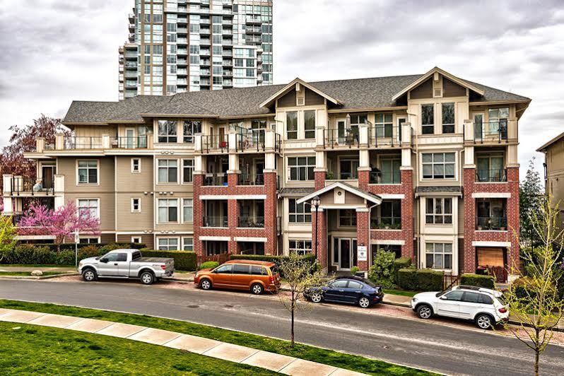 Main Photo: 406 285 ROSS DRIVE in New Westminster: Fraserview NW Condo for sale : MLS®# R2059721