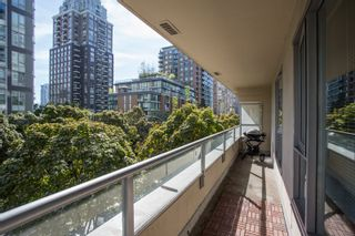 """Photo 13: 304 1001 RICHARDS Street in Vancouver: Downtown VW Condo for sale in """"MIRO"""" (Vancouver West)  : MLS®# R2326363"""