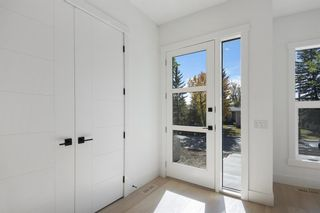 Photo 3: 2140 51 Avenue SW in Calgary: North Glenmore Park Detached for sale : MLS®# A1150170