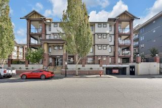 """Photo 1: 217 5650 201A Street in Langley: Langley City Condo for sale in """"PADDINGTON STATION"""" : MLS®# R2616985"""