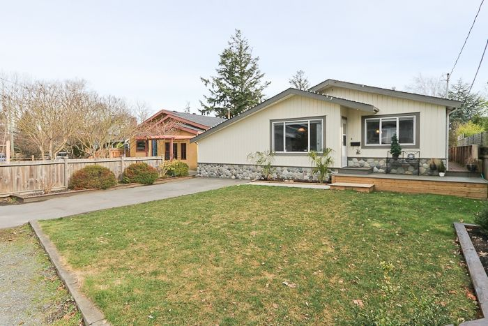"Main Photo: 1708 DUNCAN Drive in Tsawwassen: Beach Grove House for sale in ""BEACH GROVE"" : MLS®# V868678"