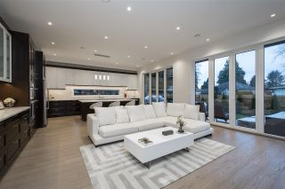 Photo 11: 527 W KINGS Road in North Vancouver: Upper Lonsdale House for sale : MLS®# R2526820