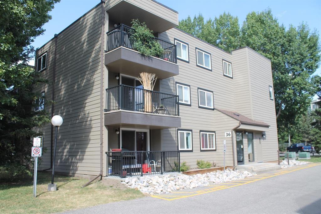 Main Photo: 105 36 GLENBROOK Crescent: Cochrane Apartment for sale : MLS®# A1028403