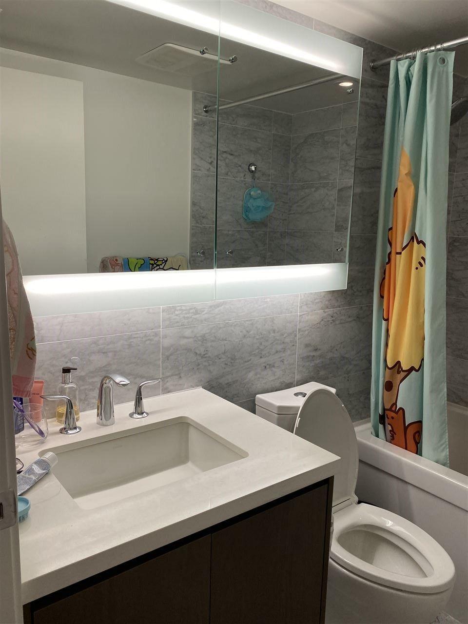 """Photo 10: Photos: 2211 13696 100 Avenue in Surrey: Whalley Condo for sale in """"PARK AVENUE WEST"""" (North Surrey)  : MLS®# R2536114"""