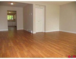 Photo 2: 9061 135A Street in Surrey: Queen Mary Park Surrey 1/2 Duplex for sale : MLS®# F2912646