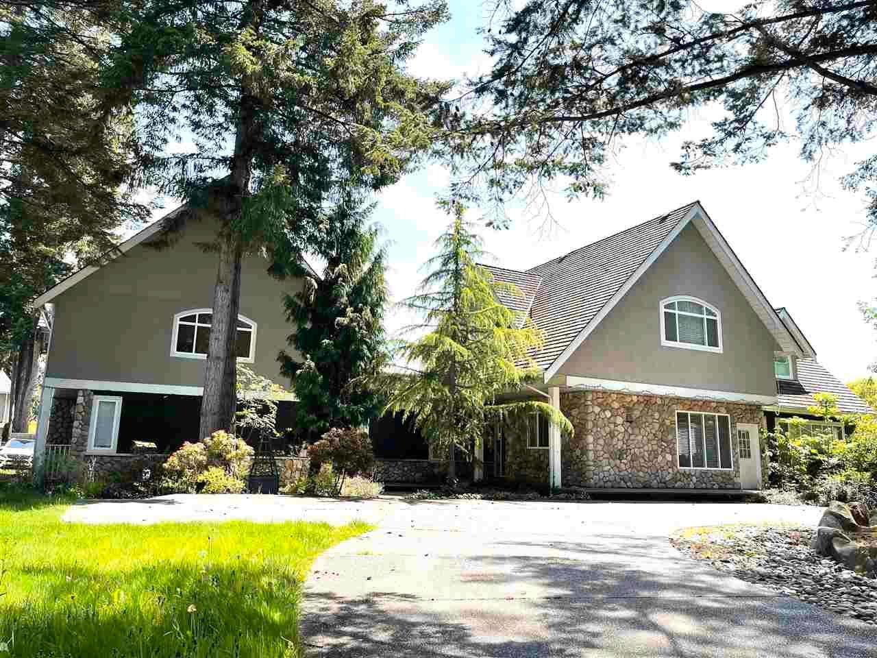 Main Photo: 3040 140 Street in Surrey: Elgin Chantrell House for sale (South Surrey White Rock)  : MLS®# R2576469