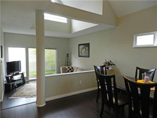 Photo 2: 1 5635 LADNER TRUNK Road in Ladner: Hawthorne Condo for sale : MLS®# V946292