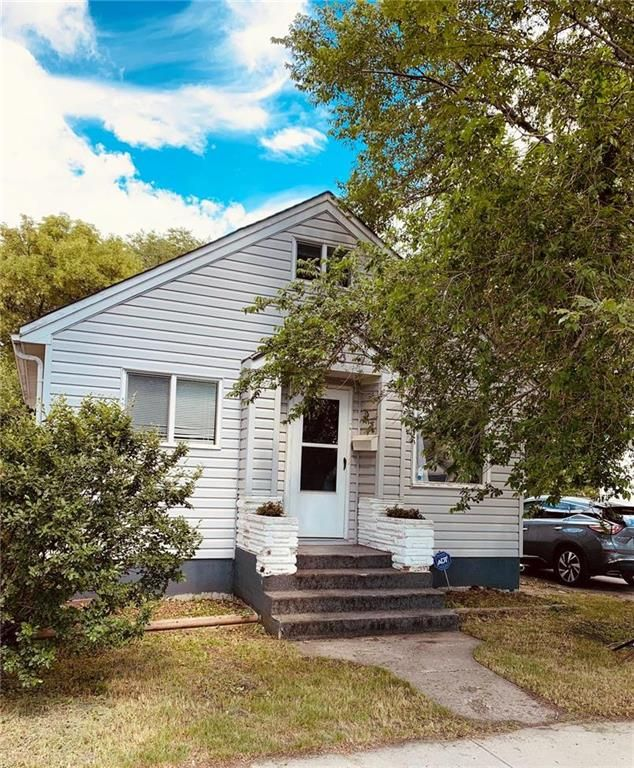 FEATURED LISTING: 353 Regent Avenue Winnipeg
