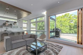 Photo 2: 782 W 22ND AVENUE in Vancouver: Cambie House for sale (Vancouver West)  : MLS®# R2461365