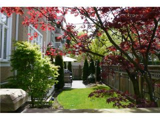 """Photo 10: 698 W 13TH Avenue in Vancouver: Fairview VW Townhouse for sale in """"HEATHER CROSSING"""" (Vancouver West)  : MLS®# V823692"""