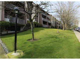 """Photo 10: # 106 - 3921 Carrigan Court in Burnaby: Government Road Condo for sale in """"LOUGHEED ESTATES"""" (Burnaby North)  : MLS®# V934136"""