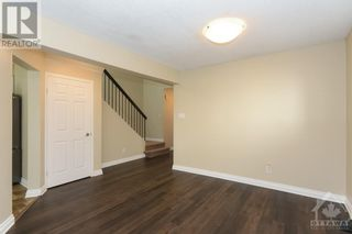 Photo 11: 23 SOVEREIGN AVENUE in Ottawa: House for sale : MLS®# 1261869