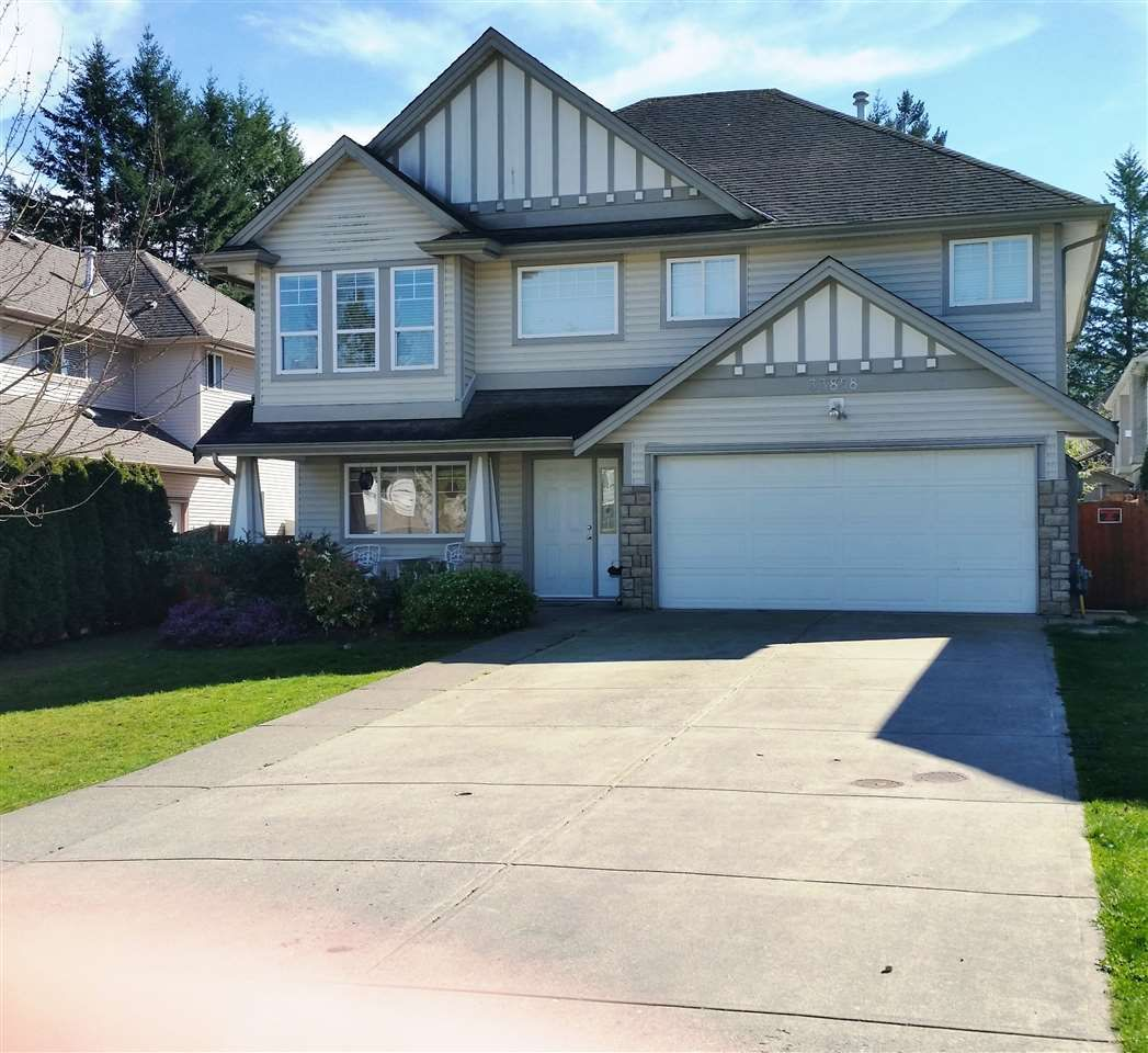 """Main Photo: 33858 HOLLISTER Place in Mission: Mission BC House for sale in """"Kimball Estates"""" : MLS®# R2057887"""
