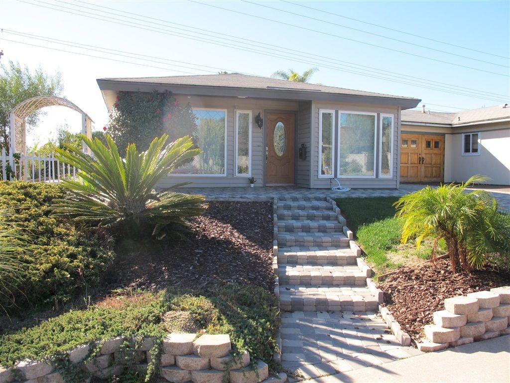 Main Photo: ENCINITAS Twin-home for sale : 2 bedrooms : 751 Sunflower