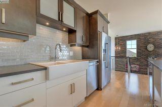 Photo 11: 1241 Rockhampton Close in VICTORIA: La Bear Mountain House for sale (Langford)  : MLS®# 816194