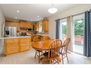 """Photo 4: 18186 66A Avenue in Surrey: Cloverdale BC House for sale in """"The Vineyards"""" (Cloverdale)  : MLS®# R2510236"""