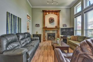 Photo 5: 7901 155A Street in Surrey: Fleetwood Tynehead House for sale : MLS®# R2611912