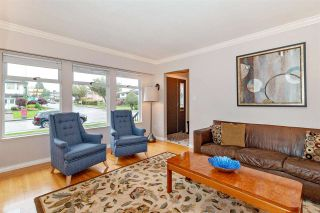 Photo 2: 7579 IMPERIAL Street in Burnaby: Buckingham Heights House for sale (Burnaby South)  : MLS®# R2371278