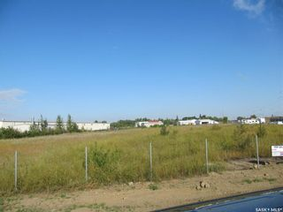 Photo 1: 111 Aberdeen Street in North Battleford: Parsons Industrial Park Commercial for sale : MLS®# SK863218