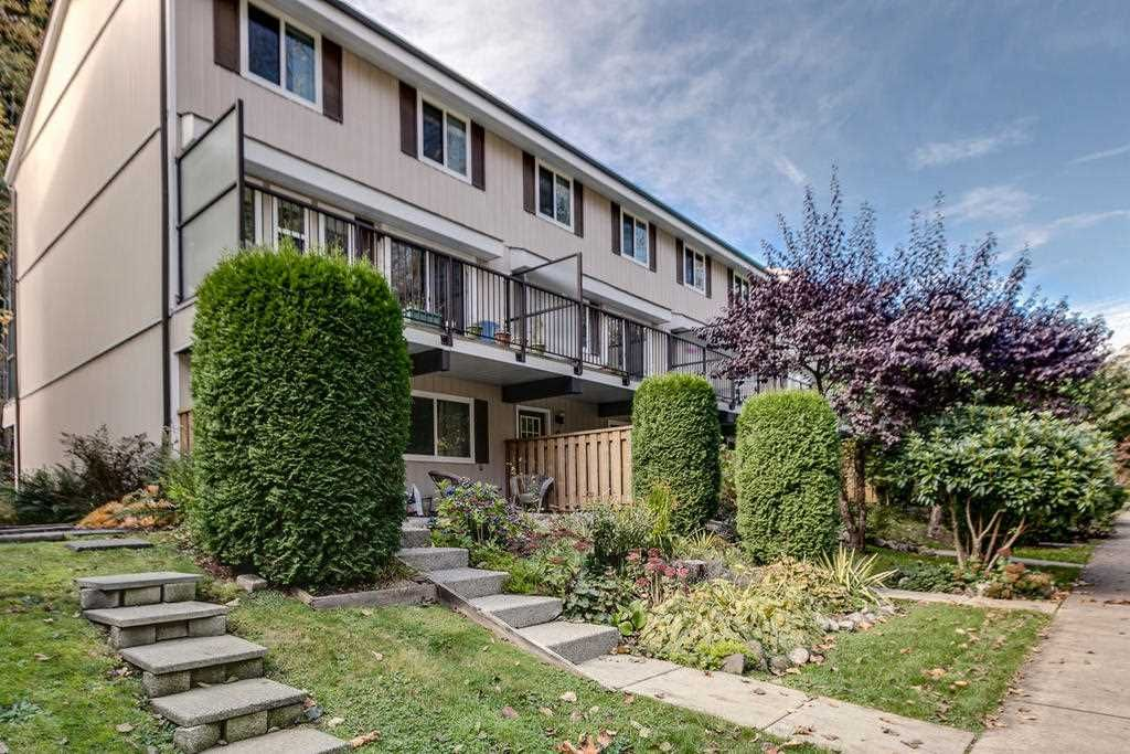 "Main Photo: 9 10000 VALLEY Drive in Squamish: Valleycliffe Townhouse for sale in ""Valley View Place"" : MLS®# R2132656"