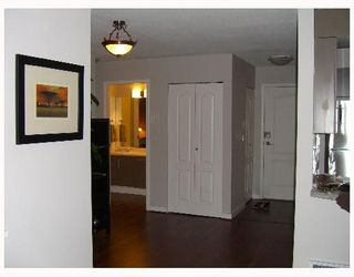 """Photo 9: 2490 W 2ND Ave in Vancouver: Kitsilano Condo for sale in """"THE TRINITY"""" (Vancouver West)  : MLS®# V640534"""