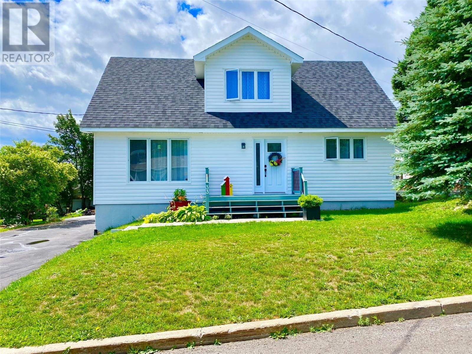 Main Photo: 33 second Avenue in Lewisporte: House for sale : MLS®# 1235599