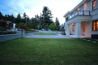 Photo 4: 14020 MARINE Drive: White Rock House for sale (South Surrey White Rock)  : MLS®# R2478365