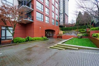 """Photo 2: 1005 813 AGNES Street in New Westminster: Downtown NW Condo for sale in """"NEWS"""" : MLS®# R2526591"""