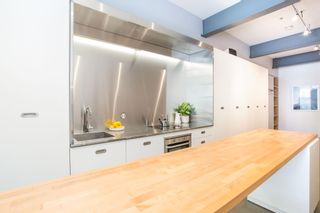 """Photo 8: 303 53 W HASTINGS Street in Vancouver: Downtown VW Condo for sale in """"Paris Block"""" (Vancouver West)  : MLS®# R2600726"""