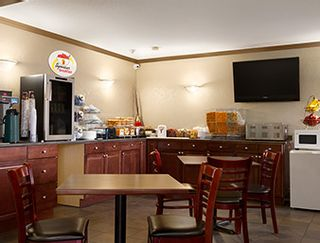 Photo 10: Hotel/Motel with property in Vernon in Vernon: Business with Property for sale